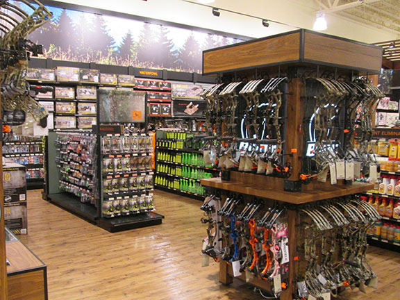FieldAndStream storefront. Your local sporting goods supply store in Rochester, NY | 5505